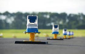 solar powered runway lights solar portable airfield lighting system avlite systems