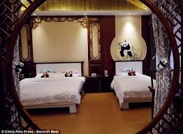 canap駸 habitat the panda themed hotel in the sichuan china a panda