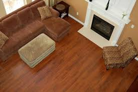 How To Lay Wood Laminate Flooring Laying Laminate Wood Floors House Flooring Ideas