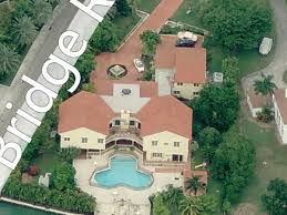 star island is a tiny neighborhood of massive houses u0026 drama