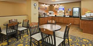 Rent A Center Dining Room Sets Holiday Inn Express Deforest Madison Area Hotel By Ihg