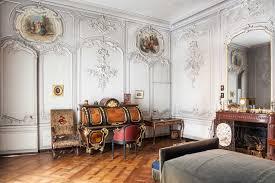 bureau militaire château de chantilly chambre du duc cette pièce est meublée d un