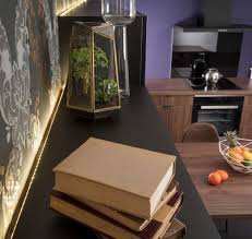 ruban led cuisine mise en valeur des meubles grâce à l éclairage et au ruban led