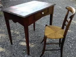 petit bureau ancien ancien bureau rustique poignee porcelaine chaise ronce de noyer par
