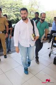 Aamir Khan Home Aamir Khan Ileana Bipasha Tapsee And Many Others Snapped At