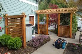 pairoducks garden entranceway and trellis