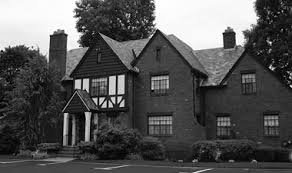 what is tudor architecture definition and image