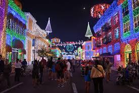 Osborne Family Spectacle Of Dancing Lights Walt Disney World Hollywood Studios Osborne Family Spectacle Of