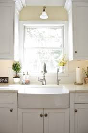 White Subway Tile Kitchen by 62 Best Classic White Kitchen Images On Pinterest White Kitchens