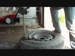 Awesome 13x5 00 6 Tire And Rim Completely Removing Tire Off Rim In 3 5 Minutes Youtube