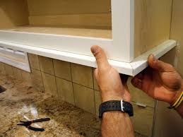 Best  Light Rail Ideas On Pinterest Crown Molding Kitchen - Kitchen cabinet rails