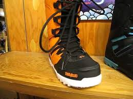 light up snowboard boots 2015 thirtytwo light snowboard boot close up youtube