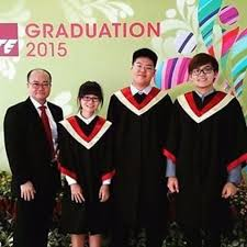 graduation gown rental rent ite graduation gown rental only everything else on carousell