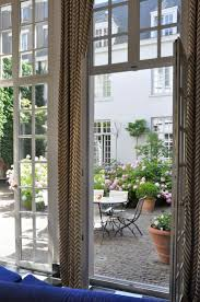 221 best courtyards of the world as inspiration for gardening