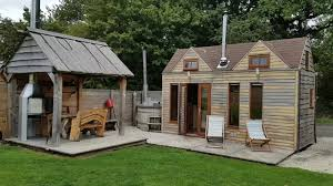 host unusual take a tour of a tiny house in warwickshire youtube
