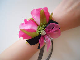 wrist corsages hot pink fuschia magenta roses wrist corsages