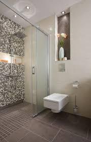 fliesen fã r den flur die besten 25 bauernhaus renovierung ideen auf wc