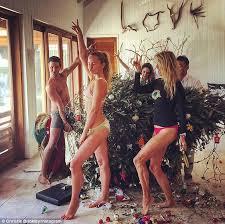 strike a pose u0027 christie brinkley and her model family make light