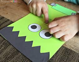 Halloween Crafts Construction Paper by Fun Halloween Activities For Kids