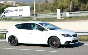 2017 seat leon cupra r prototype has awd quad exhaust autoevolution