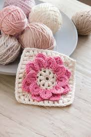 3164 best motifs square 1 images on pinterest crochet motif to crochet gorgeous layered designs featuring crocodile stitch this book makes it simple to succeed stunning projects include fashions and home decor