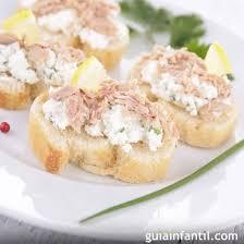 canape de de atún con queso aperitivos rápidos y sencillos