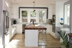 ilot central cuisine but cuisine ilot central cuisine but avec magenta couleur ilot