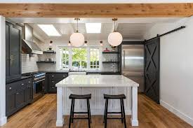 Barn Style Interior Design 25 Trendy Kitchens That Unleash The Allure Of Sliding Barn Doors