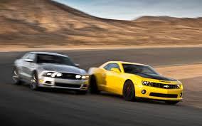 2013 ford mustang gt vs camaro ss camaro ss vs ford mustang gt car autos gallery