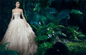 vera wang an elegant real wedding on the waterfront win a white