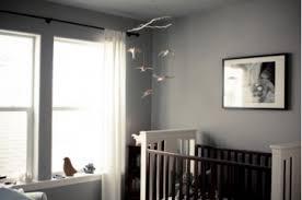 déco chambre bébé gris et blanc décoration chambre bébé peinture murale gris souris