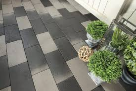 Cutting Patio Pavers Patio Pavers With The Cutting Edge Look And Feel Of Granite Unilock