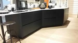 cuisine sans poignee cuisine moderne laquee noir mat avec 2017 avec cuisine sans poignee