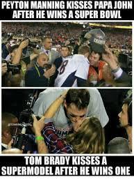 Peyton Manning Tom Brady Meme - peyton manning kissespapa john after hewinsa super bowl tom brady