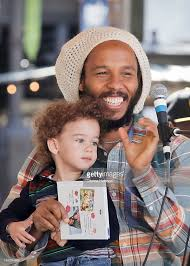 Glendale Americana Barnes And Noble Ziggy Marley Performs Songs And Signs Copies Of His New Children U0027s