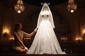 wedding cake kate middleton kate middleton s wedding dress goes on display at buckingham palace