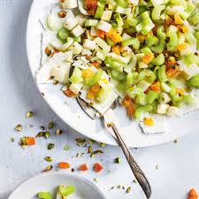 cuisiner du celeri salade de céleri et feta ricardo