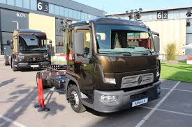 New Renault Trucks 3500 To 7500 Range Due 2015 Based On Nissan