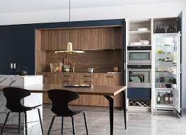 cuisine contemporaine en bois cuisine moderne ambiance contemporaine mobalpa