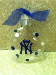 forever collectables mlb christmas ornament set new york yankees