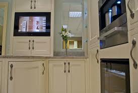 küche einbauen smart tv für küche und bad küchenplaner magazin
