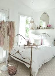 vintage style bedrooms vintage decor for bedroom best vintage white bedroom ideas on