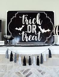 10 halloween class party games on love the day