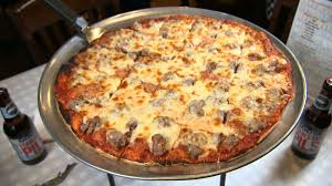 battle for chicago u0027s best pat u0027s pizza and ristorante chicago u0027s best