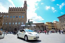 nissan leaf solar panel spoiler taxi drivers choose the all electric nissan leaf in italy driveev