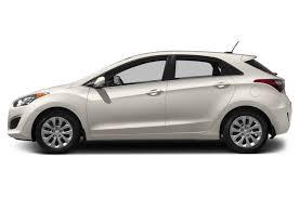 reviews hyundai elantra 2017 hyundai elantra gt overview cars com