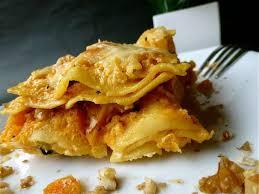 cuisiner la butternut lasagnes à la courge butternut chèvre et noisettes l atelier de boljo