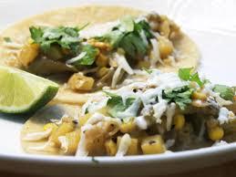 cuisiner des poivrons verts recette de tacos au maïs et aux poivrons verts recette de