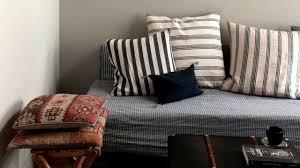 petit canap pour studio aménager un petit salon conseils plans décoration côté maison