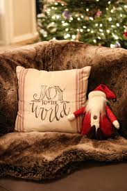 holiday home decor blushful belle i ve always been drawn to timeless and traditional design and the same goes for my christmas decor
